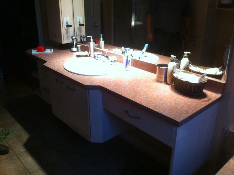 Salles de bain boiseries gms armoires de cuisine et - Salle de bain roche bobois ...