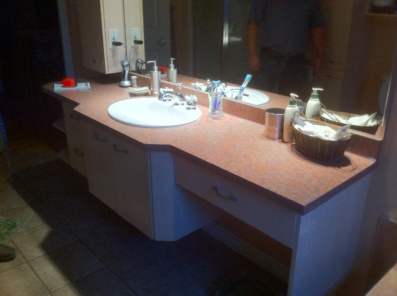 Salles de bain boiseries gms armoires de cuisine et for Cuisine et salle de bain laval