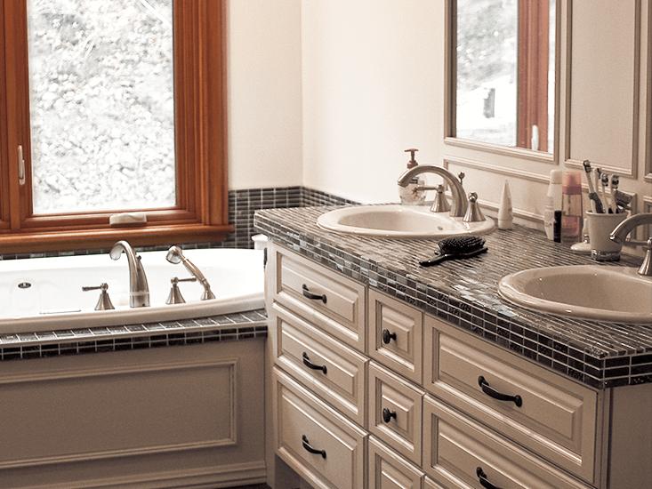 salles de bain et meubles lavabos boiserie gms. Black Bedroom Furniture Sets. Home Design Ideas